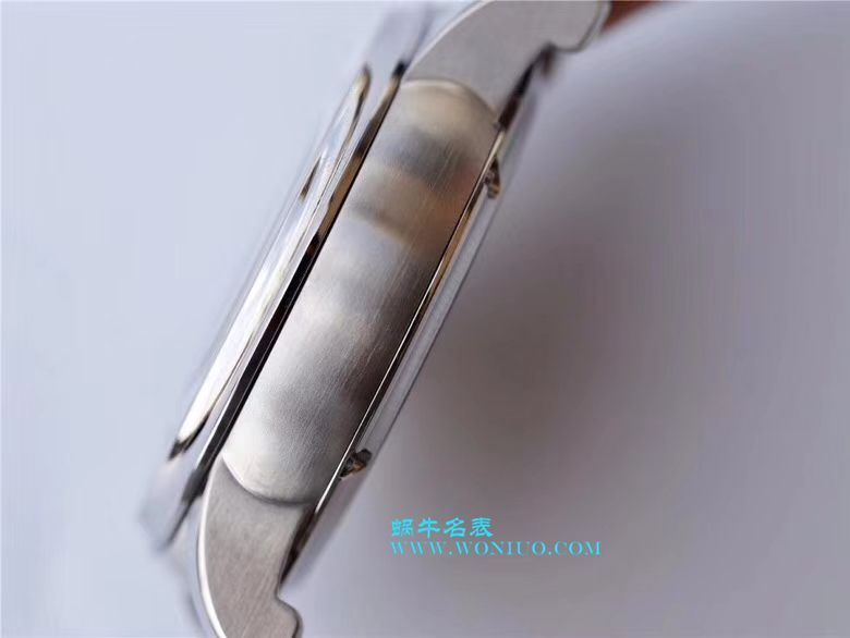 罗杰杜彼致敬系列真双飞轮 行业唯一一款搭载双飞轮的腕表 / LJ022