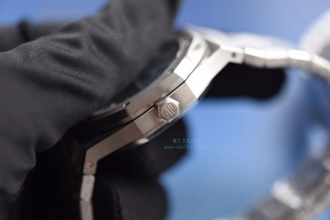 【视频测评JF厂顶级复刻手表】爱彼皇家橡树系列15400ST.OO.1220ST.03《蓝面》男表 / JFAP15400ST
