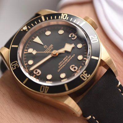帝舵碧湾系列M79250BA-0001腕表一比一超A精仿手表【XF新品首发:贝克汉姆同款-最新帝驼碧湾青铜型-小铜盾】