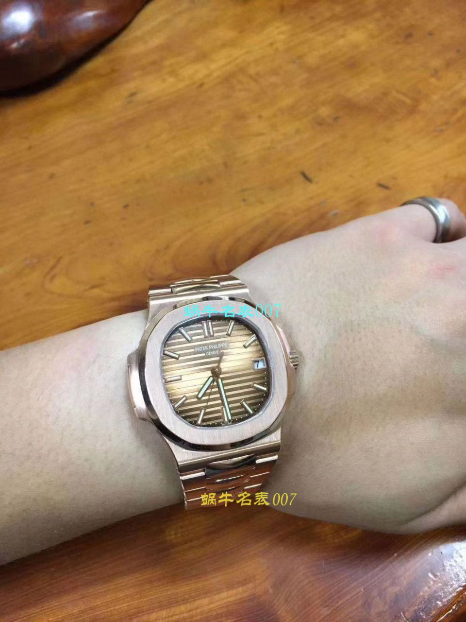 【独家视频测评PF一比一超A高仿手表】百达翡丽运动系列5711/1A 010 不锈钢腕表(鹦鹉螺)