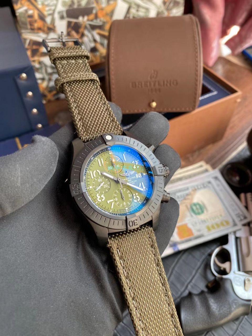 视频评测百年灵原单复仇者夜间任务计时腕表45系列V13317101L1X1腕表 / BL181