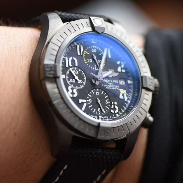 OX厂超A高仿百年灵手表复仇者系列V13317101B1X2腕表