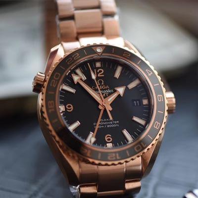 【KW一比一超A高仿手表】欧米茄海马 海洋宇宙600米系列 232.63.44.22.01.001GMT腕表
